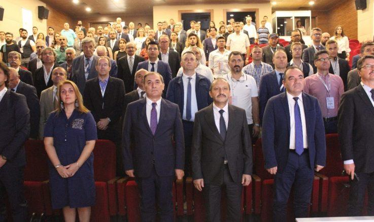 Gazi Üniversitesi ev sahipliğinde '29. Uluslararası Mobilya Endüstrisi Konferansı' başladı